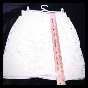 White eyelet skirt, fully lined, size 4, pre-owned
